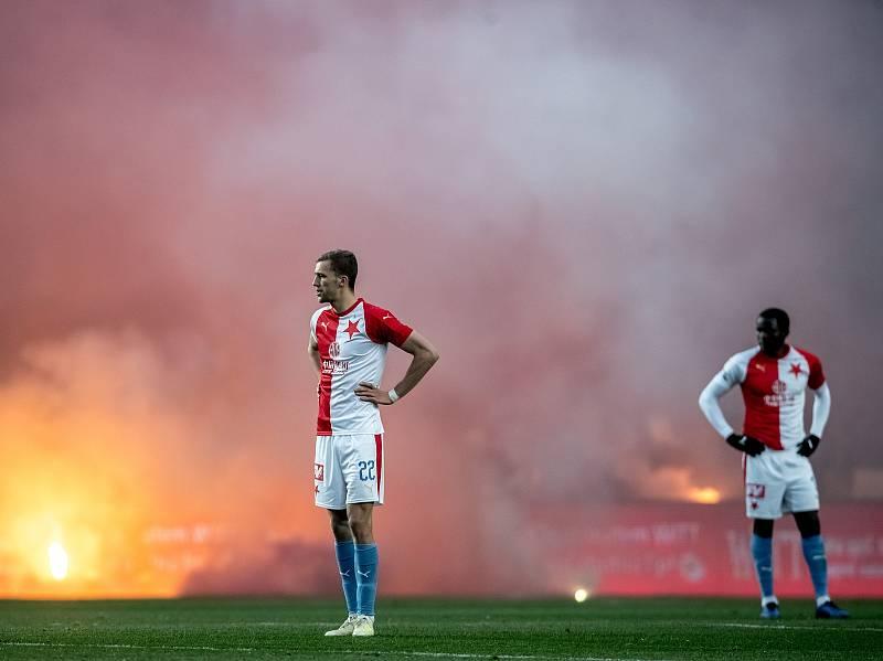 Zápas 28. kola Fortuna ligy mezi Sparta Praha a Slavia Praha, hraný 14. dubna v Praze v Sinobo stadium. Tomáš Souček ze Slavie
