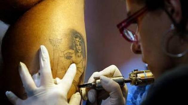 Mezinárodní výstava a soutěž v tetování.