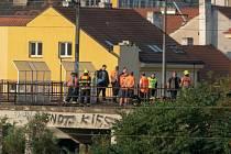 Vlak v pražské Libni srazil člověka. Příměstské linky stojí.