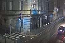 Vozidlo svědků loupeže ve Švandově divadle.