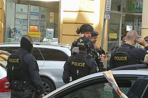 Policisté dopadli muže podezřelého z vraždy úřednice v centru Prahy.