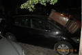 Neznámý pachatel poničil v Karlíně zaparkovaná auta.