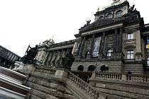 Budova Národního muzea na Václavském náměstí v Praze.