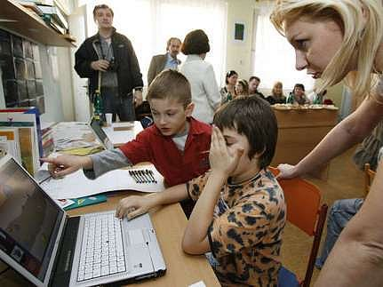 Malí i velcí žáci se na mnoha pražských školách mohou těšit na zrenovované prostory.