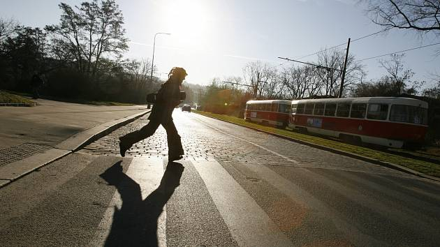 Přechod pro chodce v ulici Keplerova.