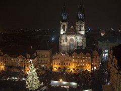 Rozsvěcení vánočního stomu na pražském Staromětském náměstí