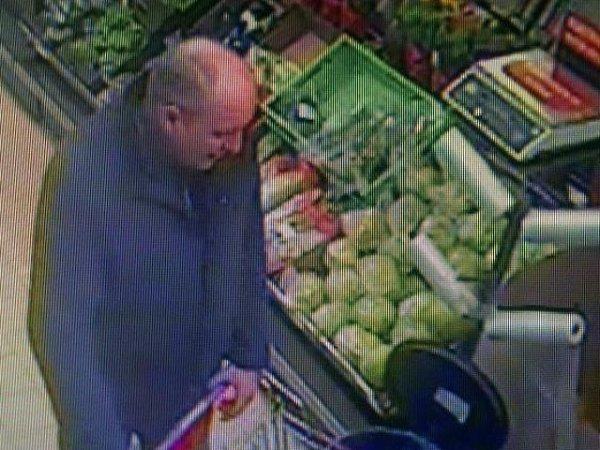 Zloděj, který se při svém odhalení vprodejně spotravinami vBrandýse nad Labem nerozpakoval použít elektrický paralyzér, aby se vyhnul zadržení.