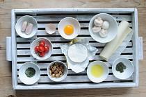 Camembert v listovém těstíčku na grilu - Ingredience.