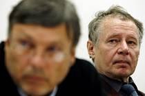 Jednání se zúčastnil i Jiří Štětina ze stavebního odboru magistrátu (vpravo).