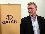 Čekání na výsledky voleb ve štábu KDU-ČSL, na snímku Pavel Bělobrádek.