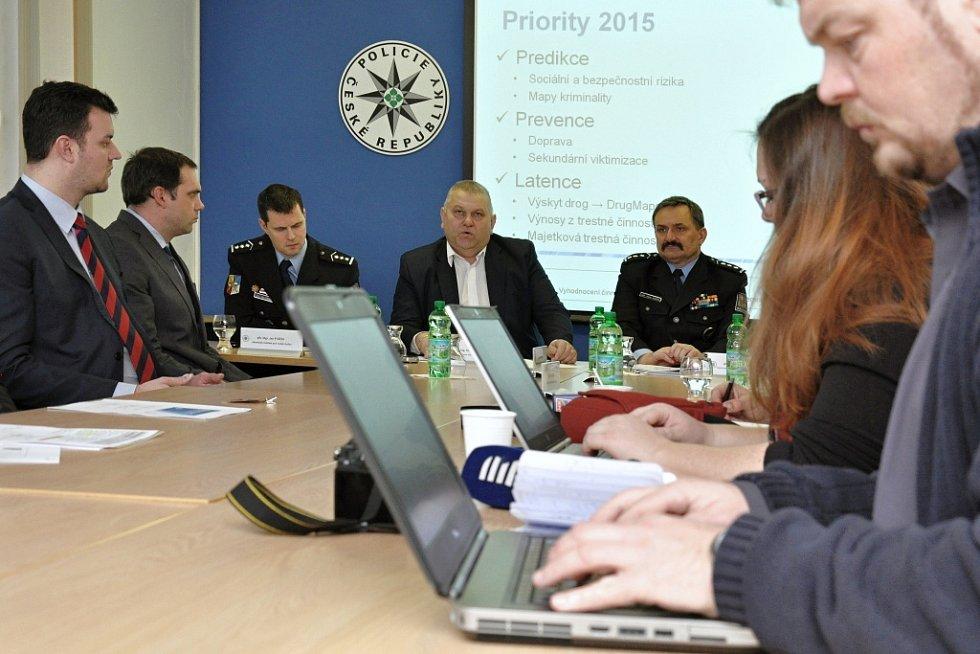 Středočeská policie představila v úterý 27. ledna 2015 výsledky své práce v loňském roce. Současně byla v budově krajského policejního ředitelství na pražské Zbraslavi otevřena nově vybudovaná speciální výslechová místnost určená pro výslechy dětí.