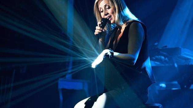 Zpěvačka Lara Fabian je obdivována po celém světě pro svůj jedinečný hlas.