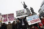 Demonstrace vězňů svědomí Kazachstánu proti diskriminační migrační politice české vlády vůči nim.