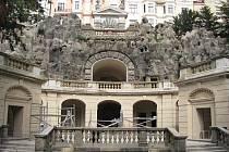 JE SKORO HOTOVO. Tak takhle vypadala Grotta ve středu. Práce zde vrcholí a zbývá dokončit již jen několik drobností. Slavnostní otevření se bude konat 17. září.