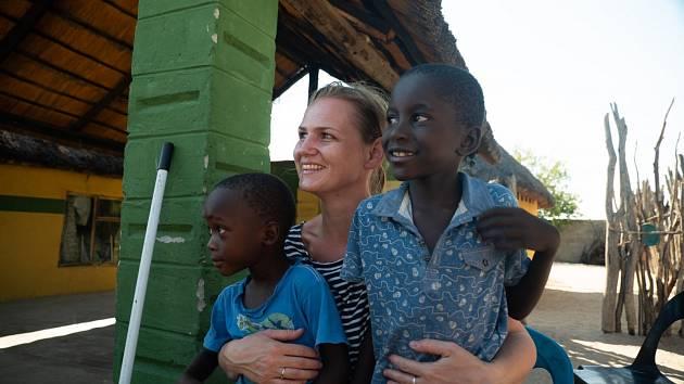 Kateřina Mildnerová v Africe.