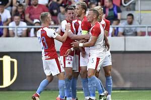 Československý Superpohár ve fotbale: Spartak Trnava - Slavia Praha, 6. července 2019 v Trnavě, 0:3. Hráči Slavie se radují z gólu.