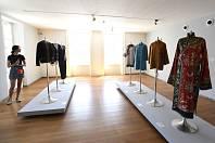 Na Kampě začala výstava s názvem Meda Ambasadorka umění.