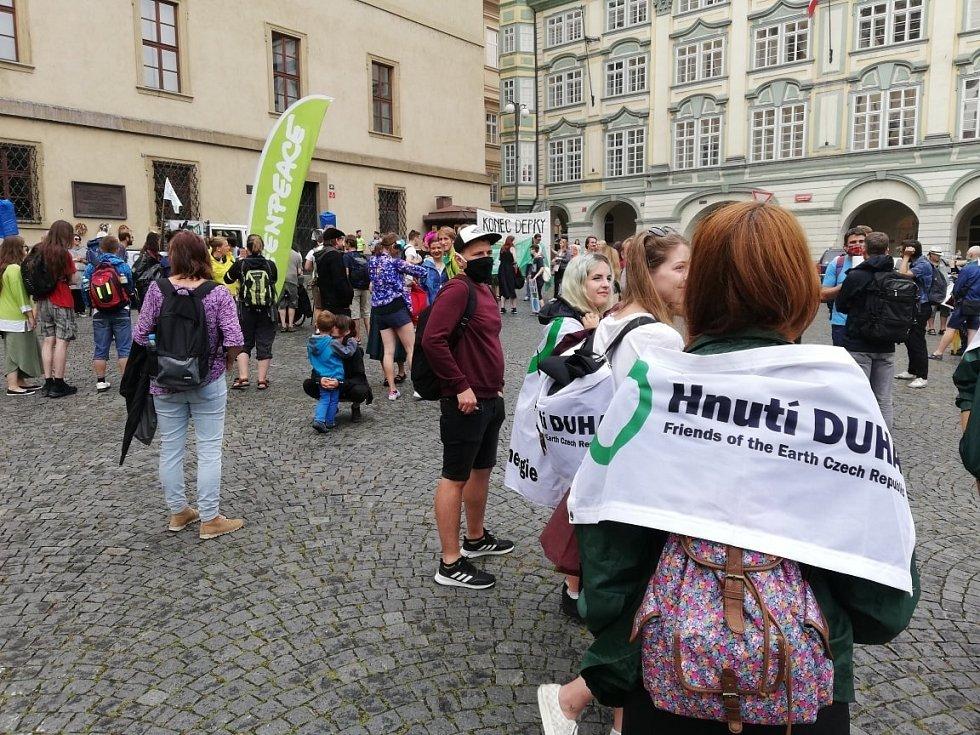 Demonstrace ekologů v Praze 26. července 2020.