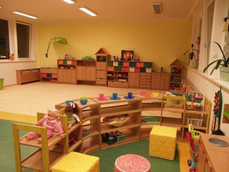 Pražské školy zajistí péči o děti rodičů pracujících ve vybraných profesích vhlavním městě. Zavřená školka – ilustrační foto.
