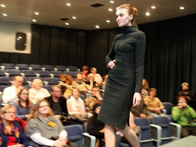 Přehlídka studentů módního návrhářství