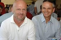 Loňského slavnostního zahájení se zúčastnili i trenéři Michal Bílek (vlevo) a Vítěslav Lavička.
