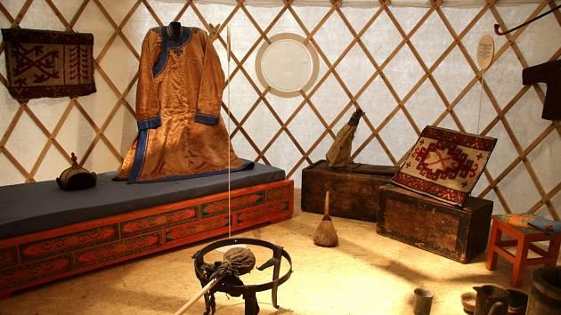 Náprstkovo muzeum nabízí výstavu Doma na Sibiři.