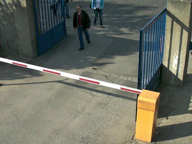 Kriminalisté pátrali po muži, který již od roku 2008 vykrádá sesterny a kanceláře pražských nemocnic.