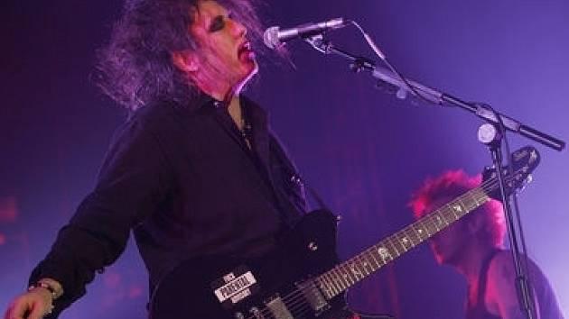 Zpěvák kapely The Cure Robert Smith.