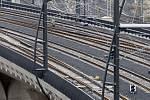 Po pražském Novém spojení, díky němuž budou nově propojeny Hlavní a Masarykovo nádraží s železničními stanicemi v Libni, Holešovicích a Vysočanech, začaly 1. září jezdit vlaky.