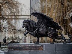 Památník Okřídlený lev od britského sochaře Colina Spofforth.