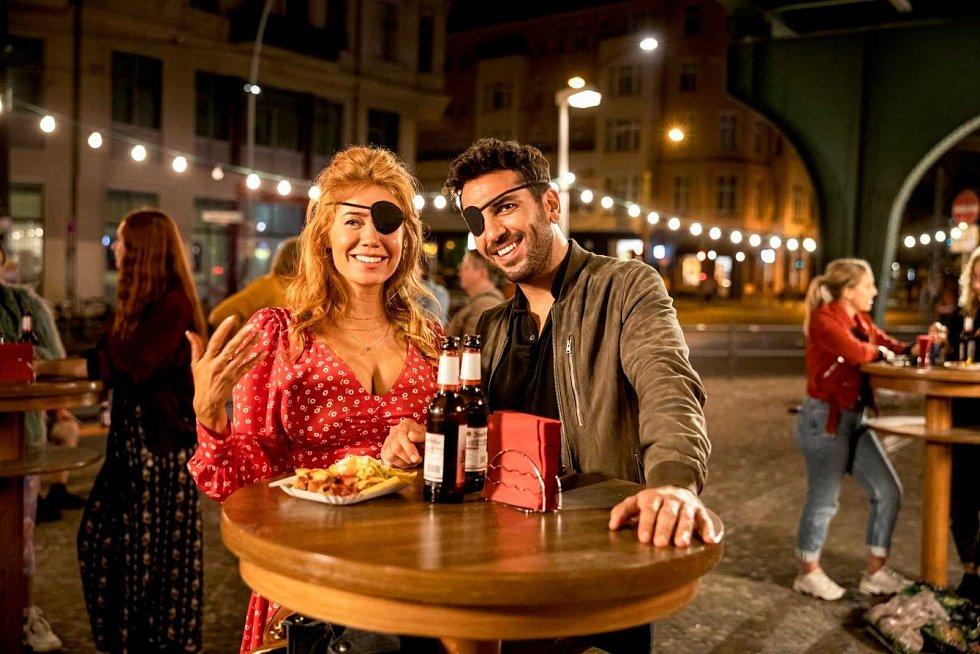 Strahovské autokino v pátek večer promítá film Nightlife: Na tahu.