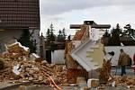 Stavební firma zbourala zvonici, do které narazil kamion.