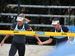 Hlavní favoritky ženského pavouka Markéta Nausch Sluková (vlevo) a Barbora Hermannová.