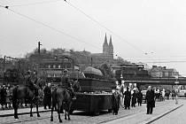Karel Hynek Mácha, pohřeb – Dalšímu velikánovi, kterému se dostalo pohřbu na Vyšehradě byl Karel Hynek Mácha. Ten tam byl ale uložen až za protektorátu v roce 1939, kdy byl uskutečněn velký slavnostní průvod.