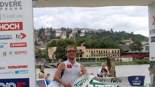 Třetí závod české tour ve Žlutých lázních vyhrál Jan Kubíček.