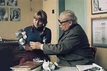 Muzeum Karla Zemana usilovalo, aby nová ulice v pražských Kolodějích nesla celé režisérovo jméno. Na snímku je Zeman s dcerou Ludmilou.