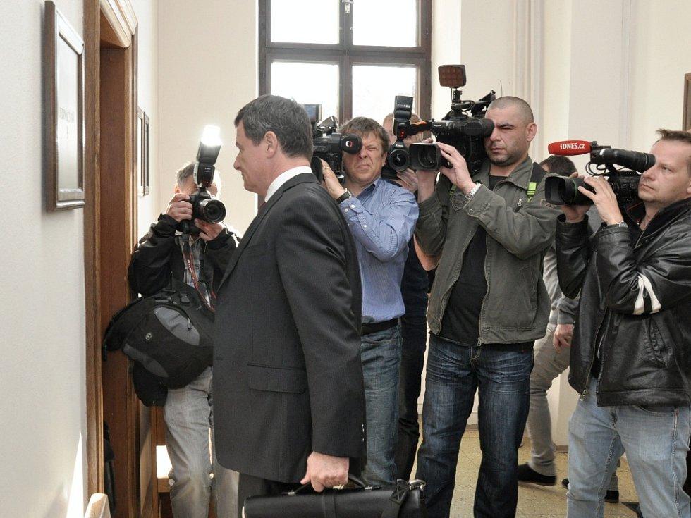 Bývalý středočeský hejtman David Rath u Krajského soudu v Praze.