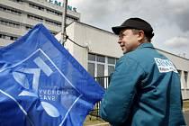 ZATÍM KLID ZBRANÍ. Odboráři jsou spokojeni s průběhem jednání se zástupci podniku, stávkovou pohotovost ale zatím neodvolali.