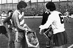Stadion Ďolíček v Praze Vršovicích. Zápas poháru UEFA 28.listopadu 1984 mezi Bohemians ČKD Praha a Tottenhamem Hotspur 1:1.