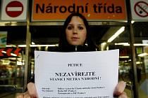 TŘI A PŮL TISÍCE. Tolik podpisů už má petice proti zavření stanice metra Národní třída. K tomu, aby ji muselo projednat zastupitelsto, stačí pouhá tisícovka.