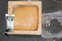 Celníci odhalili 182 kilogramů heroinu za tři čtvrtě miliardy korun.