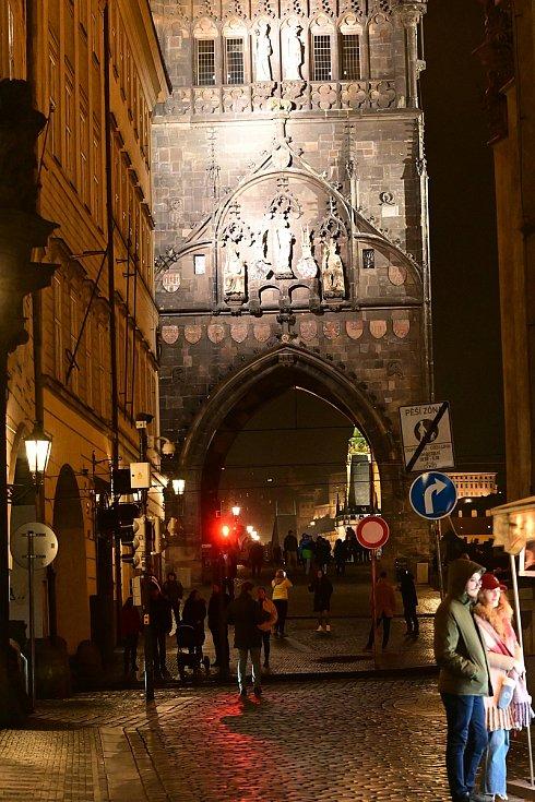 Pojďte se podívat na večerní fotky Prahy z okolí Karlova Mostu, Staroměstského a Václavského náměstí.