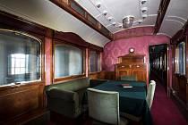 Prezidentský vlak putuje Českem. Návštěvníci si mohou prohlédnout salónní vagony, které sloužily TGM i komunistickým prezidentům.