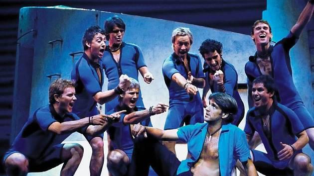 ROZTANČENÁ ABBA . Taneční choreografie na hudbu megahitů skupiny ABBA je dílem Anthony van Laasta.
