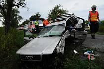 Řidič vozu Audi vyjel mimo vozovku.
