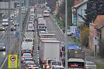 Praha plánuje rozšířit Strakonickou ulici. Nový jízdní pruh bude sloužit autobusům a vozům záchranné služby, policie a hasičů.