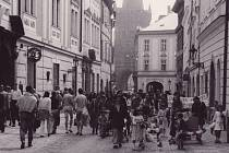 Pochod Pražských matek v roce 1989.