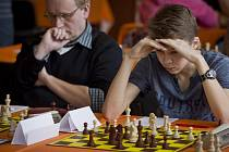 Z mezinárodního šachového festivalu Open Praha v pros¬torách kongresového centra pražského hotelu Olympik.