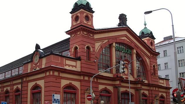 Vinohradský pavilon je jednou z nejstarších pražských tržnic.