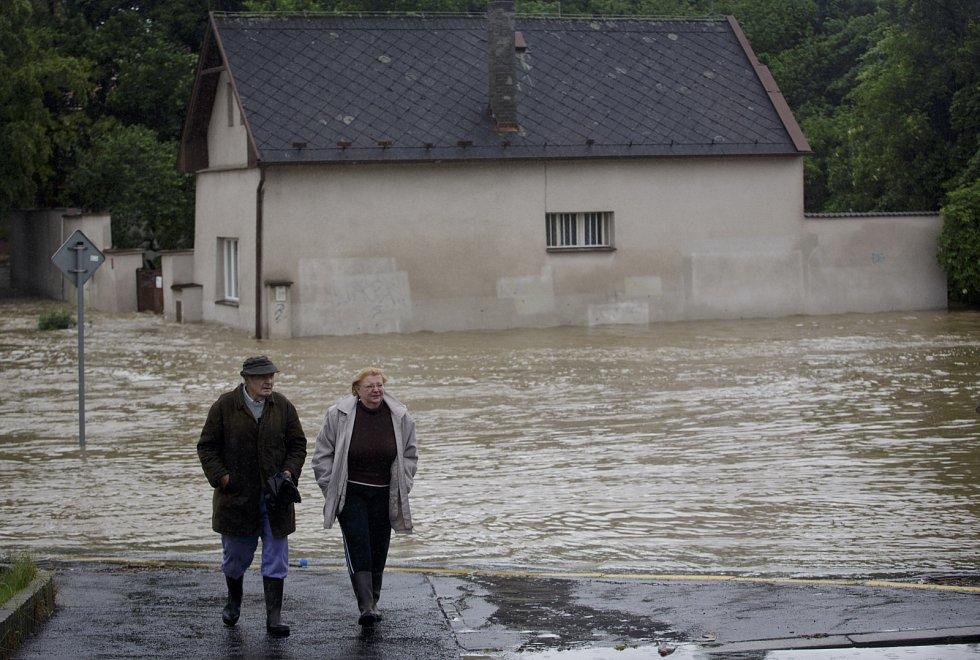 Rozvodněný potok Botič